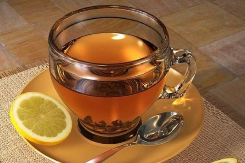 10 beneficios de beber agua tibia con limón todas las mañanas