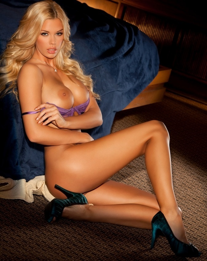 jessa-hinton-topless-playboy-shoot-3