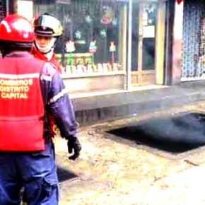 Incendio de alcantarilla causó apagón en LaCandelaria