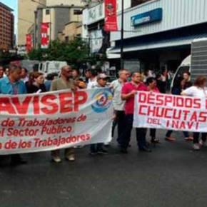 Trabajadores cierran la Francisco de Miranda porprotesta