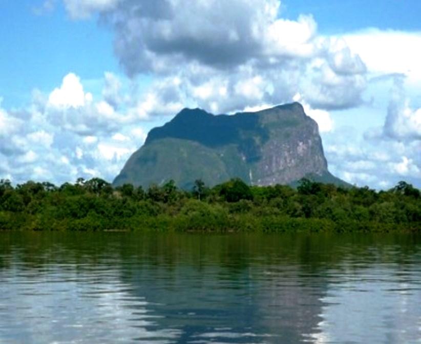 Resultado de imagen para Parque nacional Cerro Yapacana