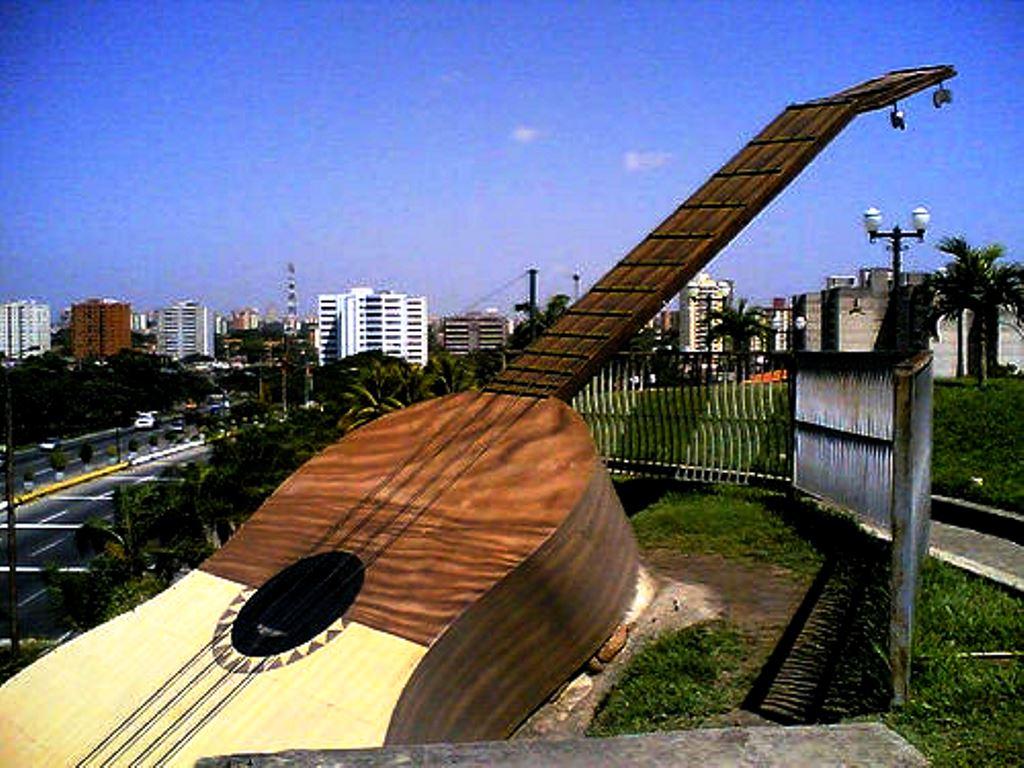 Resultado de imagen para barquisimeto monumento cuatro