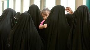 """""""NUEVO DIA DE LAS INOCENTES"""",  En Mosul, Irak, el Estado Islámico mutila genitales a 2 millones de niñas desde los SEISMESES.."""