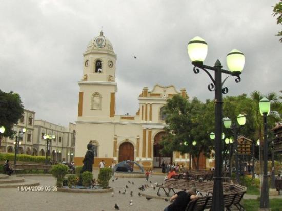 iglesia-santa-rosa-plaza