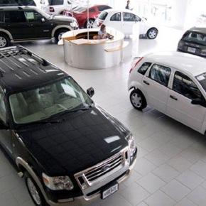 Carros importados cuestan como los usados en elpaís