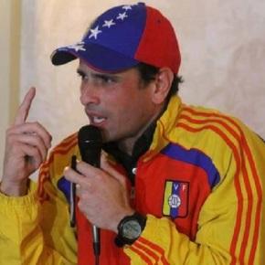Capriles quiere someter a referendo suinhabilitación