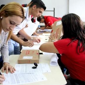 Al menos 3.003 jóvenes de la Unefa Caracas tienen su Canaima paraestudiar