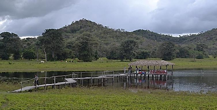 HATO RIO ATRACADERO DE LANCHAS
