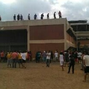 Enfrentamientos en Retén de El Marite, Zulia, con tres CPBEZ heridos y tres periodistasdetenidos.