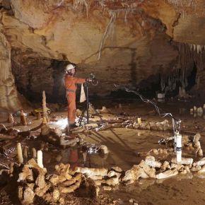 Los primeros neandertales ya exploraban el subsuelo y controlaban elfuego
