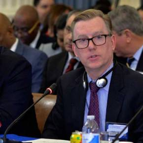 Embajador de EEUU a DelcyRodríguez