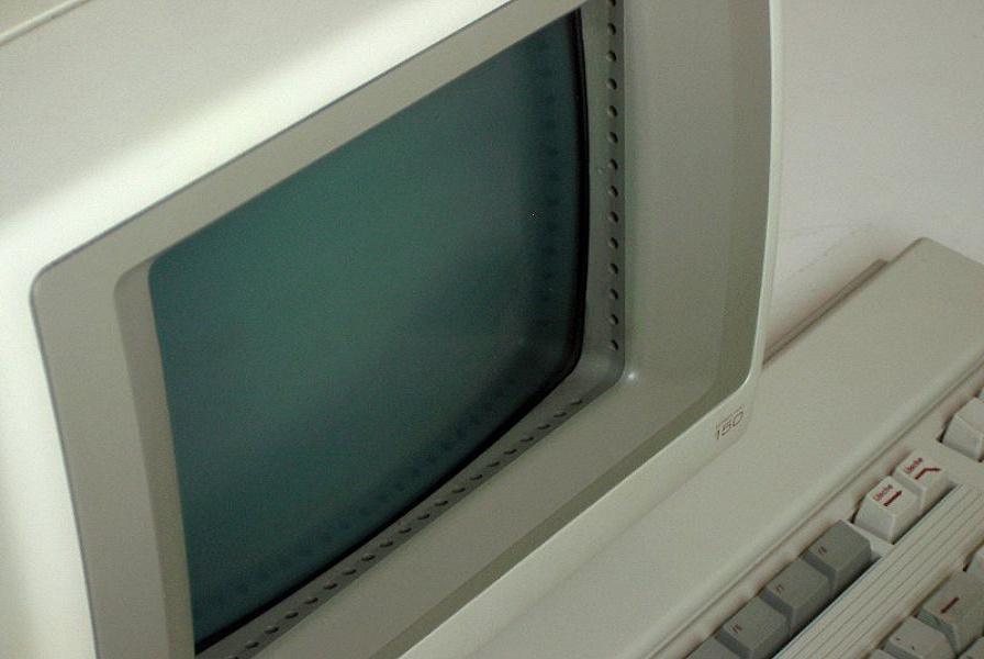 800px-Hp150_touchscreen_20081129