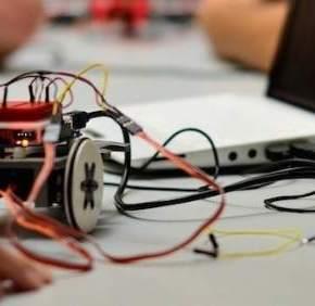 Seis niños españoles disputarán un Mundial de robótica enEEUU
