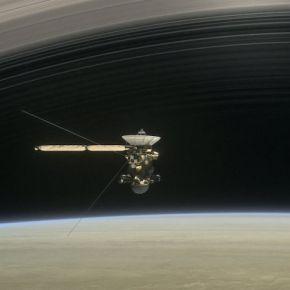 """Científicos detectaron """"gran vacío"""" entre Saturno y susanillos"""