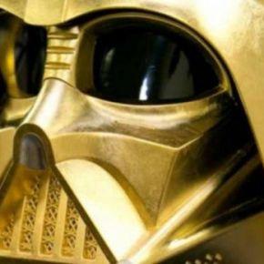 Venderán réplica en oro del casco de DarthVader