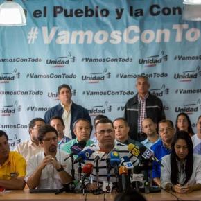 Oposición venezolana insta a aumentar la presión al Gobierno en lacalle