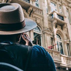 ONG te paga 2.500 euros al mes por viajar por todo elmundo