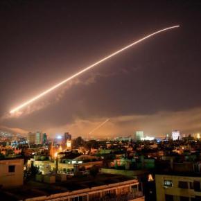 Ataque de EE.UU., Francia y Reino Unido contra Siria en respuesta al uso de armas químicas por AlAsad