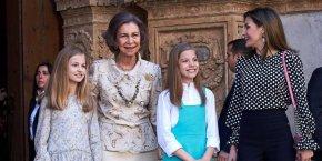 El manotazo de la princesa Leonor a doña Sofía y el respeto hacia losabuelos