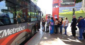 Chófer de Metrobús agredió a una mujermayor