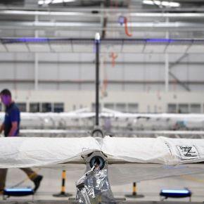 Airbus presenta Zephyr, un dron-satélite con energíasolar