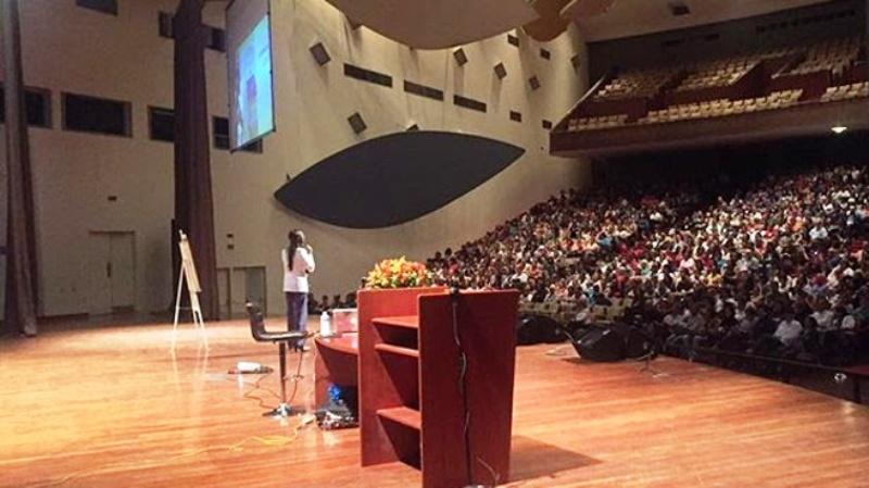 Mas de 2 mil personas se congregaron en el Aula Magna para recibir el Método Pineal