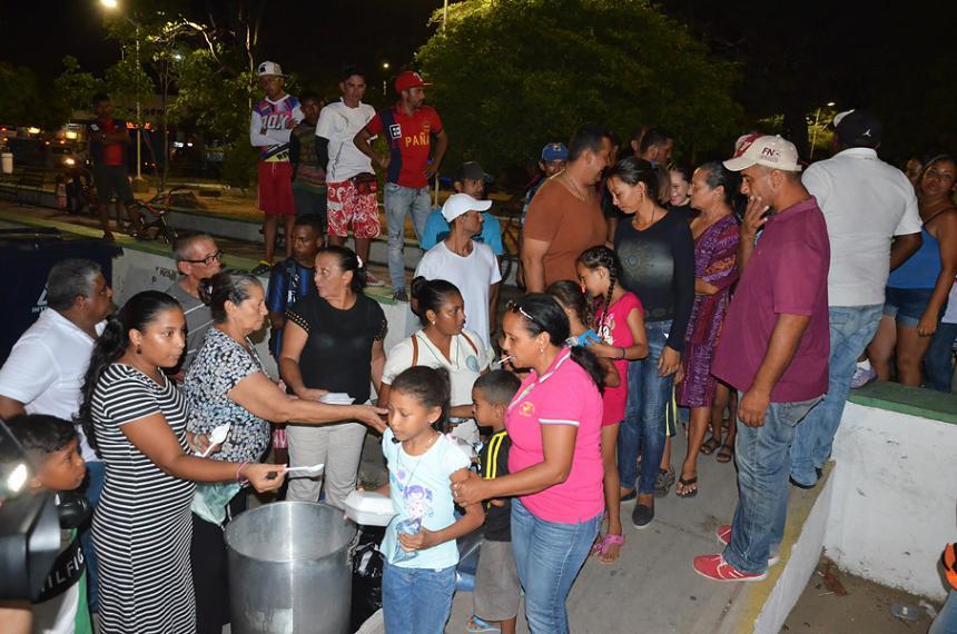 Venezolanos en Riohacha en sobrevivencia